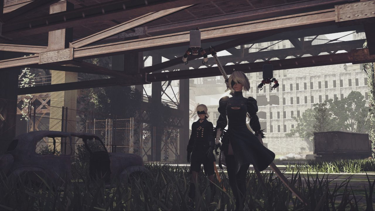 2B and 9S in NieR: Automata's City Ruins.