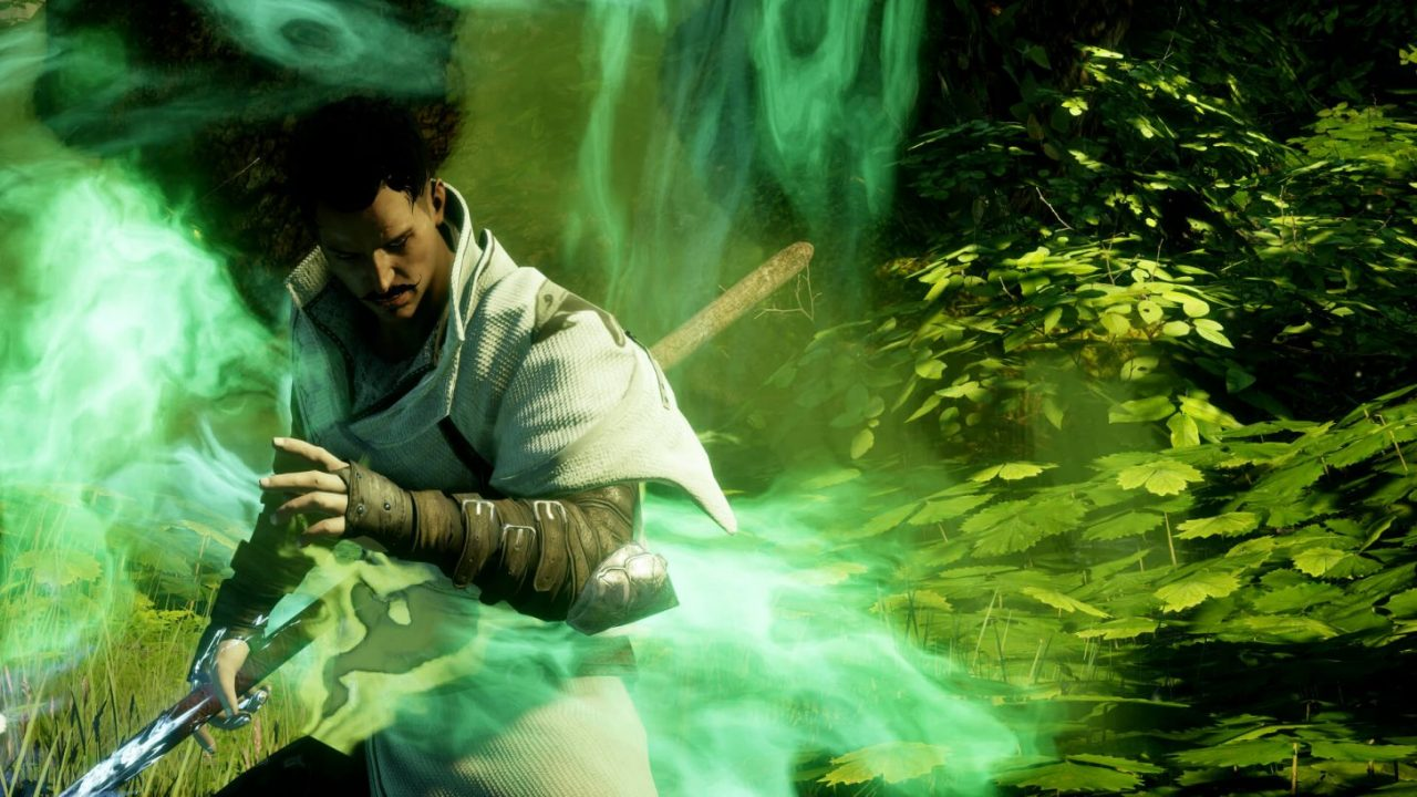 Dragon Age Inquisition screenshot of Dorian Pavus surrounded by swirling green magic.